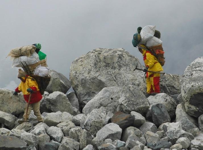 Sherpas-Everest-Nepal